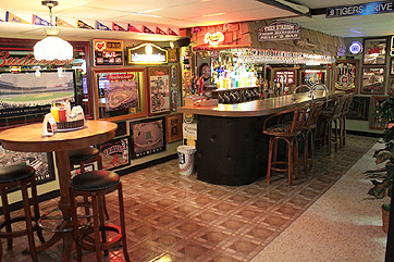 Thomas Kelly's Basement Bar